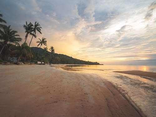 Haad Yoa Beach Ko Pha Ngan Thailand group vacation
