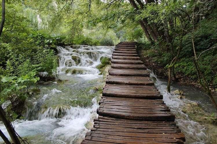 Plitvice lakes wooden path dark sky